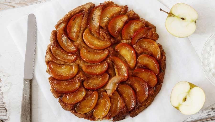 tarta de manzana en sarten sin horno