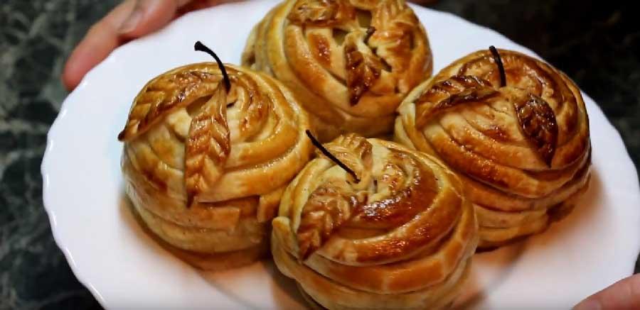 Manzanas con hojaldre al horno