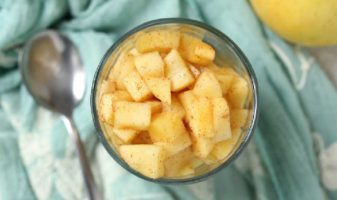 manzana al microondas con canela